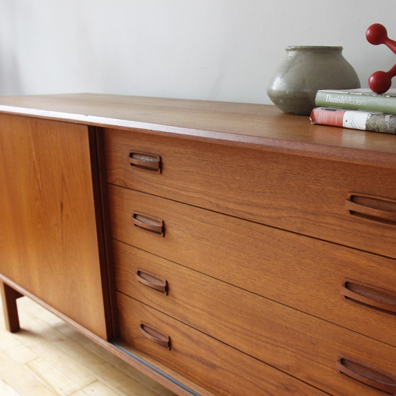 7 must places for retro furniture blog and the city for Meubles must montreal