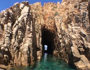 10 choses à faire en Corse - Réserve naturelle de Scandola et la Calanque de Piana