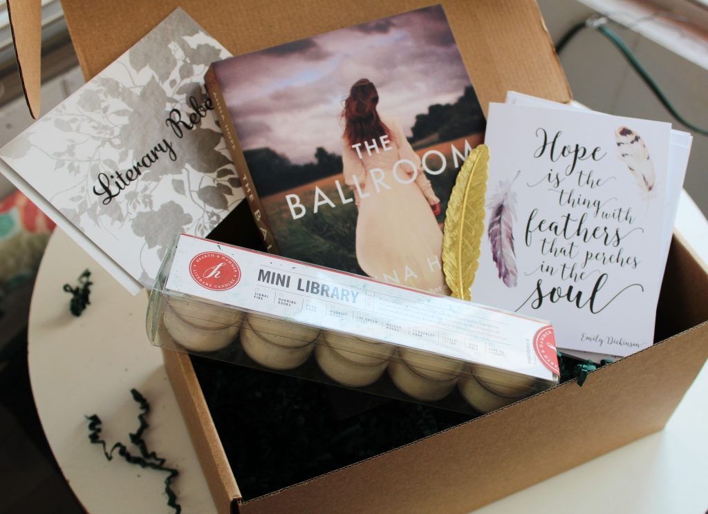Boîte(box) Novel Editions − © Kim Cayer-Roy