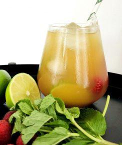 Cocktail Punch Tatie conçu avec le rhum Diplomático Mantuano